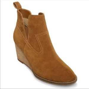 Blondo Irving Suede Ankle Wedge Bootie Sz 7.5